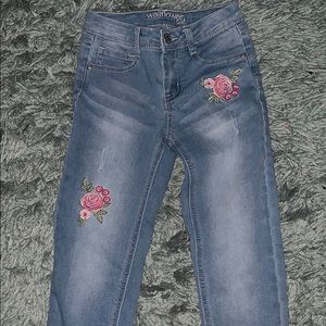 67ad594093 🌸Wallflower Girl Jeans with Flower Detail. Size 8
